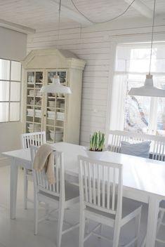 Dining Room. White, Grey, Black, Chippy, Shabby Chic, Whitewashed,
