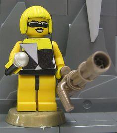 LADY GAGA FEITA COM LEGO  Os fãs estão cada vez mais criativos. E hHá outras 16 de onde tirei essa.