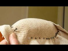 """How to absorb the folds of the fabric on a """"bean"""" cuff. Reupholster Furniture, Old Furniture, Furniture Makeover, Pallet Crafts, Wood Crafts, Diy Organisation, Shaby Chic, Take A Seat, Fabric"""