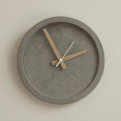 wall clock design 436778863861259433 - Concrete Wall Clock – Grey Source by sigurace Wall Clock Oak, Kitchen Wall Clocks, Wall Clock Design, Wood Clocks, Concrete Crafts, Concrete Wood, Concrete Design, Small House Interior Design, Diy Interior