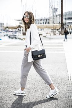 what to wear with trainers