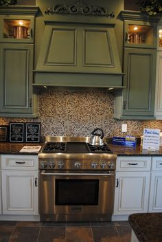 what a cool idea-two tone kitchen cabinets