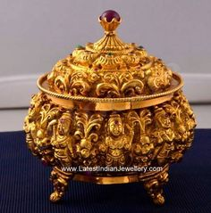 Handcrafted 22 carat gold kumkum box or sindhoor box in nakshi workmanship looks magnificent and royal for the festive and wedding season. India Jewelry, Temple Jewellery, Silver Jewelry, Jewellery Box, Antic Jewellery, Jewellery Shops, Diamond Jewellery, Jewelery, Indian Jewellery Design