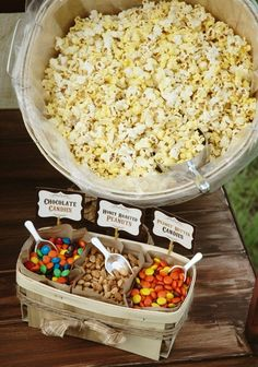 #HowTo: host an outdoor movie night in 5 easy steps | Popcorn Bar is so fun!