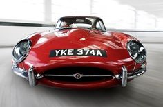 Jaguar E-Type (Jerry Cotton; Austin Powers) - http://on-msn.com/RiTenv