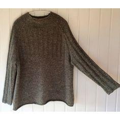 RUMMELIG Strikkeopskrift fra Hyggestrik - TIL DE SMUKKE KVINDER - Garnhimlen Turtle Neck, Pullover, Knitting, Crochet, Dyb, Dresses, Vests, Inspiration, Ideas