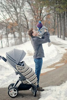 Dad & baby bonding time during a Stokke Crusi stroll