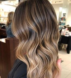 Merhaba bunlarda dalgalı saç modellerimiz markayım kızlar by #dalgalısaç #saçmodeli dalgalı saçlar dalgalı bayan saç modelleri dalgalı saç modelleri Relaxer For Curly Hair, Curly Hair Styles, Natural Hair Styles, Hair Keeps Falling Out, Natural Hair Growth Treatment, Ingrown Hair Removal, Hair Donut, Hair Nets, Crochet Snood