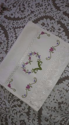 şen Napkins, Tableware, Ideas, Crossstitch, Needlepoint, Valances, Slipcovers, Flowers, Home