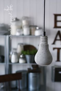 love the hanging light...how can I make it?