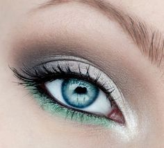 20 Incredible Makeup Tutorials For Blue Eyes. Love these colors for brown eyes too!