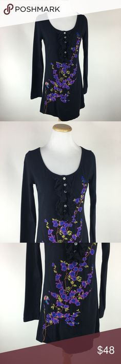 Johnny Was long sleeve embroidered tee Sz Medium Johnny Was long sleeve embroidered tee Sz Medium. Gently worn in great condition. Johnny Was Tops Tees - Long Sleeve