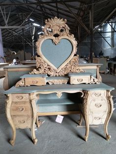 french furniture Modern Baroque Rococo Furniture and Interior Design Fabulous and Baroque Rococo Furniture, Painting Wooden Furniture, Funky Furniture, French Furniture, Shabby Chic Furniture, Shabby Chic Decor, Rustic Furniture, Furniture Makeover, Vintage Furniture