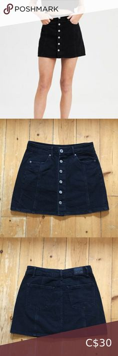 AMERICAN EAGLE HI-RISE A-LINE SKIRT Black denim hi-rise skirt size 4. Only worn twice - excellent condition! American Eagle Outfitters Skirts A Line Skirts, Mini Skirts, Plus Fashion, Fashion Tips, Fashion Trends, Black Denim, Denim Skirt, American Eagle Outfitters, Outfits