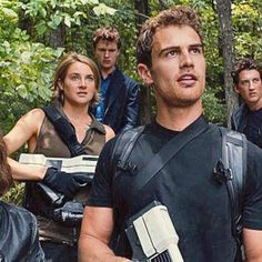 New Allegiant trailer teases whats beyond the walls of Chicago http://shot.ht/1F0NDM8 @EW
