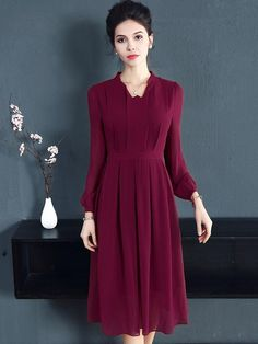 Vintage Pure Color Long Sleeve Pleated Skater Dress We share the most beautiful and new dress patter Elegant Midi Dresses, Spring Dresses Casual, Casual Dress Outfits, Mode Outfits, Trendy Dresses, Modest Dresses, Nice Dresses, Skater Dresses, Fall Outfits