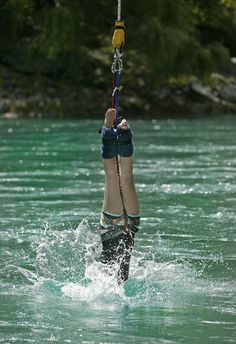 Things to Do in Queenstown - Kawarau Bridge Bungy – AJ Hackett Bungy Queenstown Adventure Tours, Adventure Travel, Tandem Jump, Tourism Management, New Zealand Adventure, New Zealand Holidays, Rock Climbing Gear, Hang Gliding, Bungee Jumping