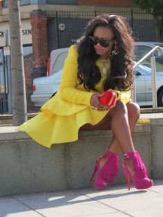 Love the yellow with the pink banging shoes!
