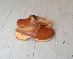 1970s clogs / vintage 70s shoes / Braided Plait by DearGolden