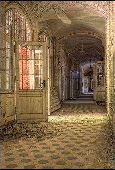 Die Beelitz-Heilstätten, ein Mystischer Ort, perfekt für aufregende Aufnahmen.