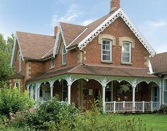 23 New Ideas For Farmhouse Exterior Trim Farm House House Trim, Farm House Colors, Diy Porch, Loft, Exterior Trim, Old Farm Houses, Farmhouse Plans, Modern Farmhouse, Gothic House