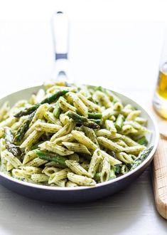Grilled Salmon with Pesto Asparagus Pasta #pasta #pesto #pestopasta #grilledsalmon #grilledsalmonpasta #salmonpasta #foodielicious #foodieliciousblog #foodrecipe #recipe #chefboyarme #wannabechef