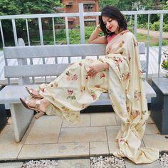 Saree Styles, White Jeans, Kimono Top, Sari, Photography, Tops, Videos, Women, Fashion