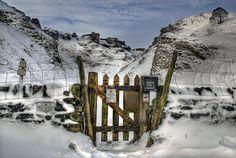 Gateway to Winnats by Simon Bull Images, via Flickr