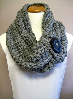 Chunky Bulky Button Crochet Cowl: Gray with Black Wood Button