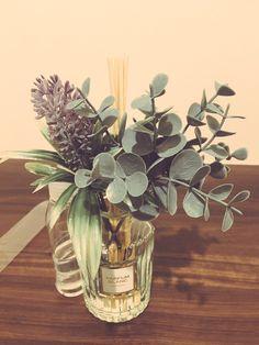 新作続々!100均の「造花・フェイクグリーン」まとめ|ダイソー・セリアの造花・フェイクグリーン | Jocee