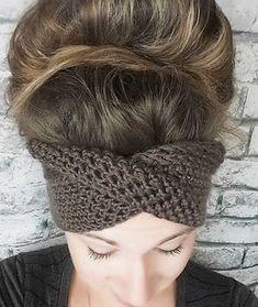 Crocheting The Headband With a TWIST - Free Crochet Pattern #crochet #crochetpattern #serendipityasalways