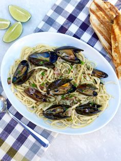 Margarita Mussels are made with the same ingredients as the drink. This easy pasta dish has a simple sauce that is made with tequila and wine and brightened with fresh lime juice. Seafood Pasta Recipes, Shellfish Recipes, Pasta Meals, Grilling Recipes, Wine Recipes, Healthy Dinner Recipes, Great Recipes, Easy Pasta Dishes, Fresh Lime Juice