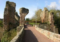 Rosslyn Castle Henry Sinclair, 1st Earl of Orkney Voyage to America 14th Century
