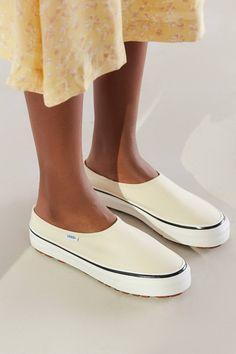 8655902d6894 Vans Anaheim Factory Style 17 DX Slip-On Sneaker