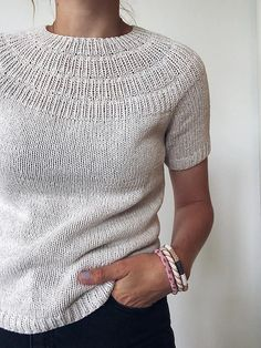 Ravelry: stitches and 30 rows = 10 cm - Anker's Summer Shirt pattern by PetiteKnit Knitting Blogs, Sweater Knitting Patterns, Knit Patterns, Hand Knitting, Knitting Sweaters, Knitting Designs, Summer Sweaters, Summer Shirts, Knit Stitches