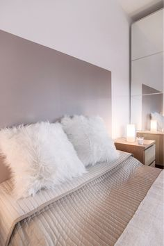 Large size of chambre cocooning taupe beige et blanc cosy tete lit deco marron blanche clair Cozy Bedroom, White Bedroom, Bedroom Decor, White Rooms, Home Interior, Diy Painting, Bean Bag Chair, Diy Home Decor, Ikea