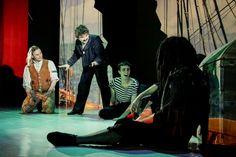 http://www.teatrulioncreanga.ro/ro/spectacole/spectacole-curente/peste-7-ani/insula-misterioasa