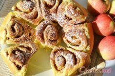 przepis na bułeczki drożdżowe z jabłkami Recipes With Yeast, Breakfast Cake, Danish, French Toast, Bread, Cookies, Buns, Apples, Food