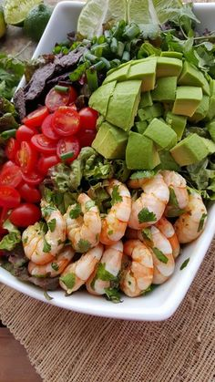 Shrimp Bowls with Homemade Clean Dressing Clean Eating Honey-Lime Shrimp Bowls /honey-lime-shrimp/Clean Eating Honey-Lime Shrimp Bowls /honey-lime-shrimp/ Clean Eating Diet, Healthy Eating, Clean Eating Recipes, Cooking Recipes, Clean Foods, Beef Recipes, Healthy Snacks, Healthy Recipes, Healthy Options