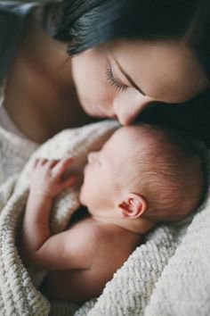 The best moments is the moment to kiss first born