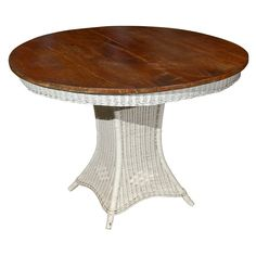 1stdibs | Antique American Wicker Table