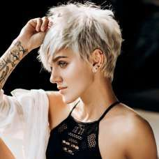 Yulia Short Hairstyles – 5 - Hairstyles For All Edgy Short Haircuts, Cool Haircuts, Short Hairstyles For Women, Cool Hairstyles, Hairstyles Videos, Hair Styles For Women Over 50, Short Hair Styles For Round Faces, Curly Hair Styles, Short Grey Hair