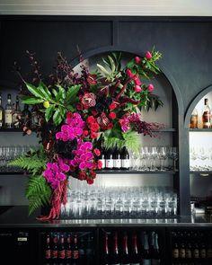 Signature Floral Design – creative wedding florist Perth, WA – Signature Floral Design Source by Ikebana, Perth, Hotel Flowers, Architecture Restaurant, Flower Installation, Church Wedding Flowers, Event Decor, Flower Decorations, Flower Designs