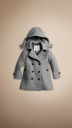 Gray Winter Coat #burberry @Mary Kunz  I want a coat like this one! Suuupperrrr cuuuuttteeee