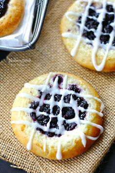 Gluten Free Blueberry Danish (egg free)- Delicious blueberry and mascarpone cheese danish. You'd never know it's gluten free. Vegan option for recipe: replace mascarpone cheese with Vegan cream cheese. Sin Gluten, Blueberry Danish, Blueberry Fruit, Blueberry Cheesecake, Gluten Free Blueberry, Egg Free Recipes, Spinach Recipes, Cookie Recipes, Gluten Free Recipes