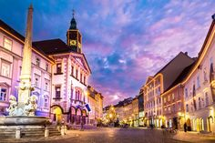 by kasto on PhotoDune. Romantic Ljubljana's city center, the capital of Slovenia, Europe. City hall and Roba's fountain shot at dusk. Christmas Destinations, Travel Destinations, Beautiful Places To Visit, Cool Places To Visit, Ibiza, Christmas In Europe, Architecture Photo, Town Hall, Travel Goals
