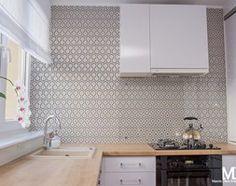 Mieszkanie ul. Śliczna Wrocław - Mała zamknięta kuchnia w kształcie litery u w aneksie, styl glamour - zdjęcie od BlueCat Studio