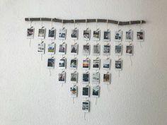 DIY Polaroid Foto Display – Nur Kate - Diy home decoration Polaroid Pictures Display, Polaroid Display, Display Photos, Display Ideas, Polaroid Foto, Polaroid Wall, Polaroid Crafts, Polaroids On Wall, Hanging Polaroids