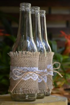 Cheap DIY Jute decoration and ornaments for Christmas Cheap DIY Jute decoration and ornaments for Christmas Look how lovely these cheap ornaments with jute for Christmas are. You will love being able to create at home and make everything even more bea… Christmas Decor Diy Cheap, Rustic Christmas, Christmas Crafts, Christmas Decorations, Christmas Christmas, Christmas Wedding, Christmas Ornaments, Burlap Crafts, Decor Crafts