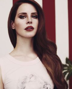 How do we feel about Lana Del Rey? (21 photos)